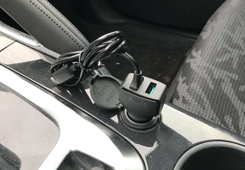 test-chargeur-voiture-usb-usb-c-aukey-12