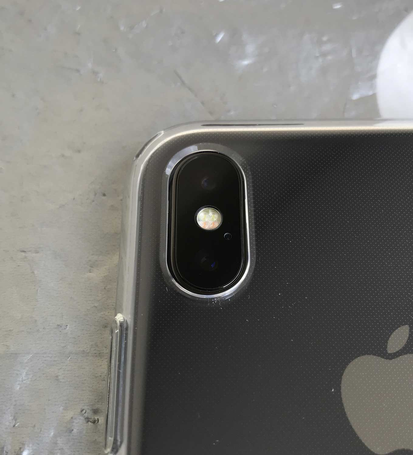 coque fine iphone x spigen