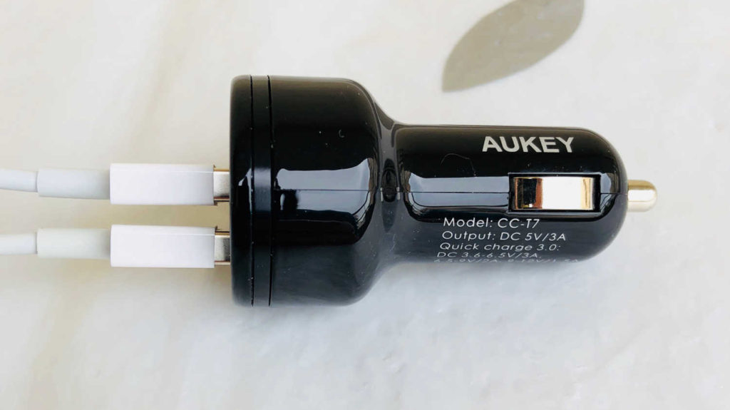 Test du chargeur voiture 2 ports USB dont 1 Quick Charge 3 Aukey