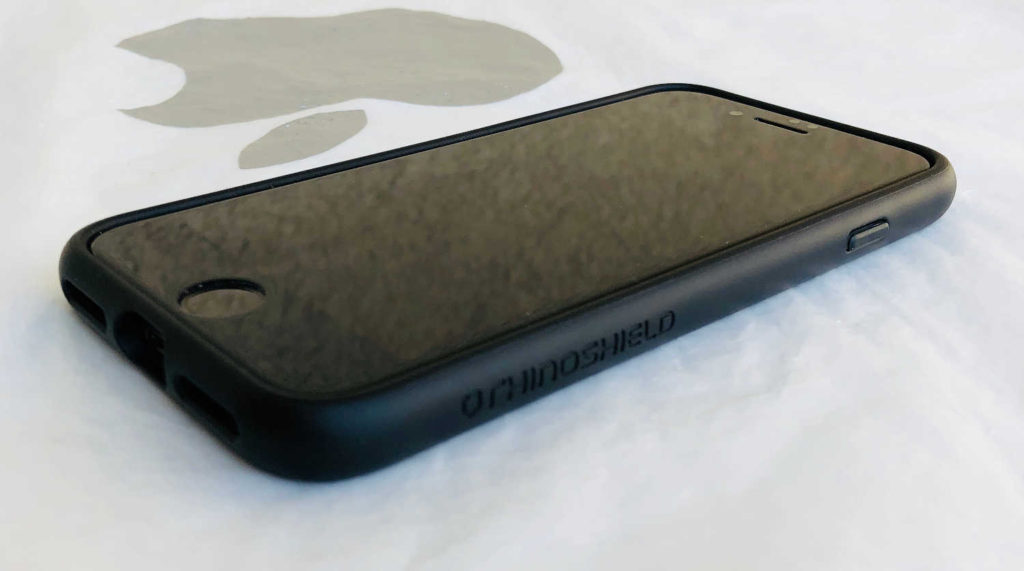 Test de la coque cuir RhinoShield SolidSuit pour iPhone 8 et iPhone 7