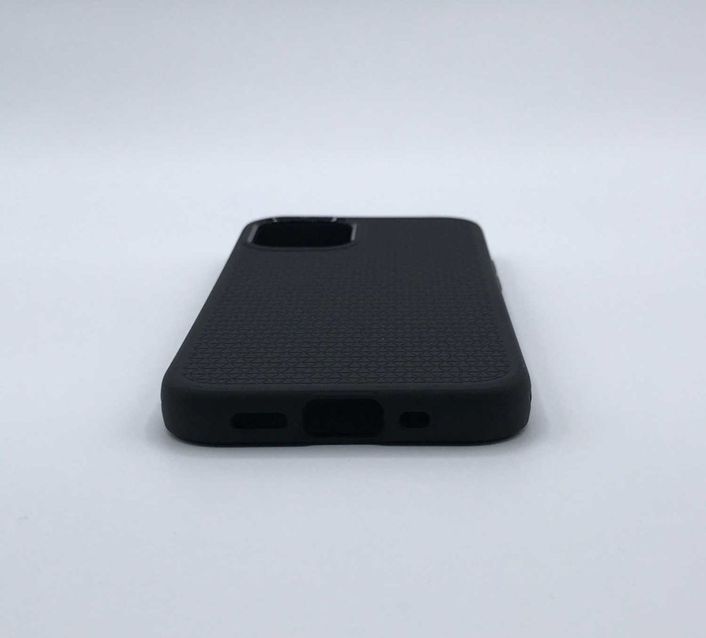 Aperçu avant test de la coque Spigen Liquid Air pour iPhone 12 mini