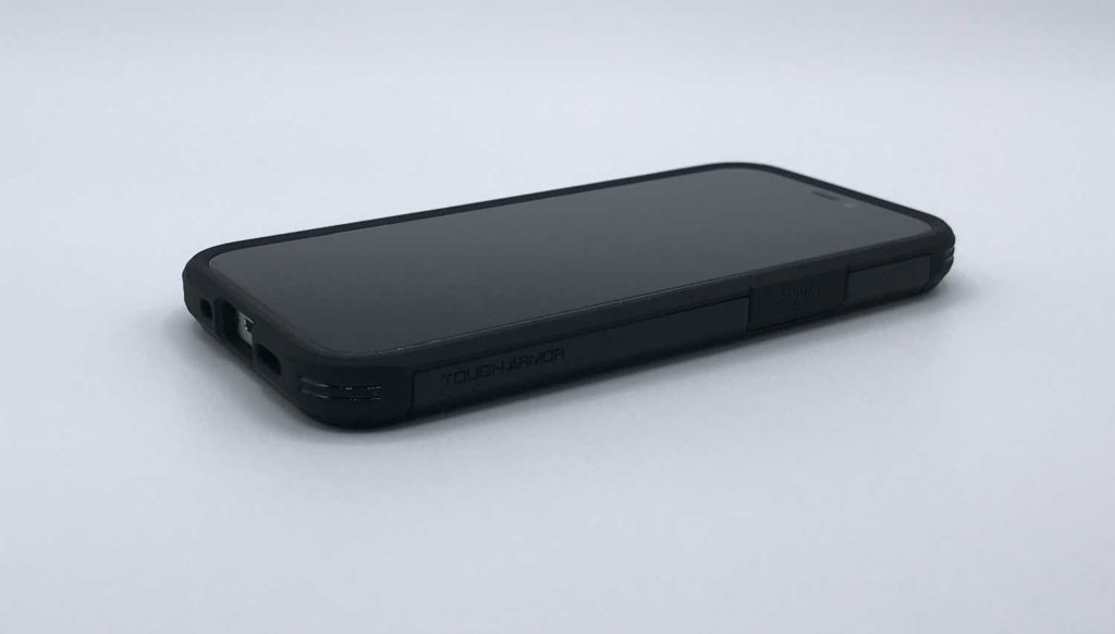 Test de la coque Spigen Tough Armor pour iPhone 12 mini