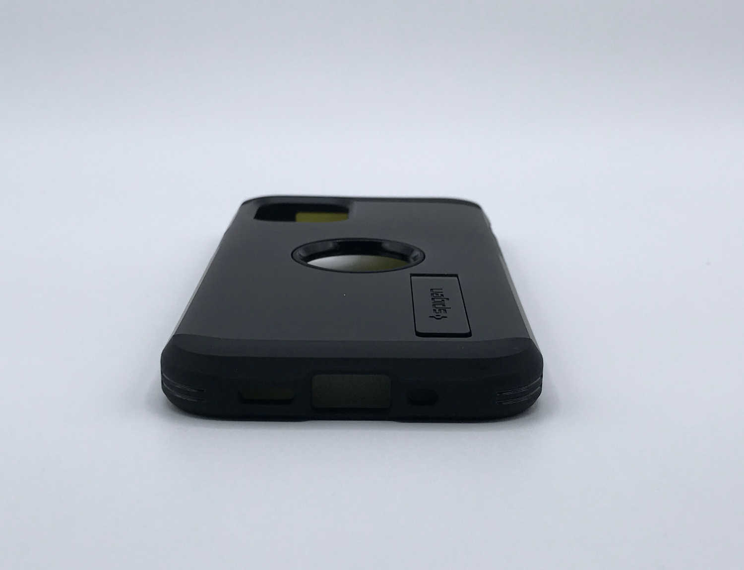 Aperçu avant test de la coque Spigen Tough Armor pour iPhone 12 mini