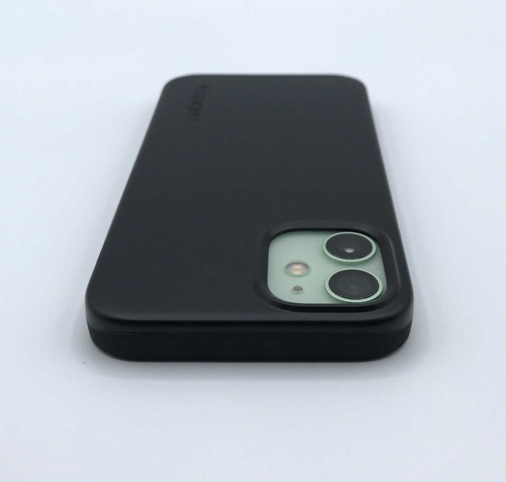 Test de la coque Spigen Thin Fit pour iPhone 12 mini